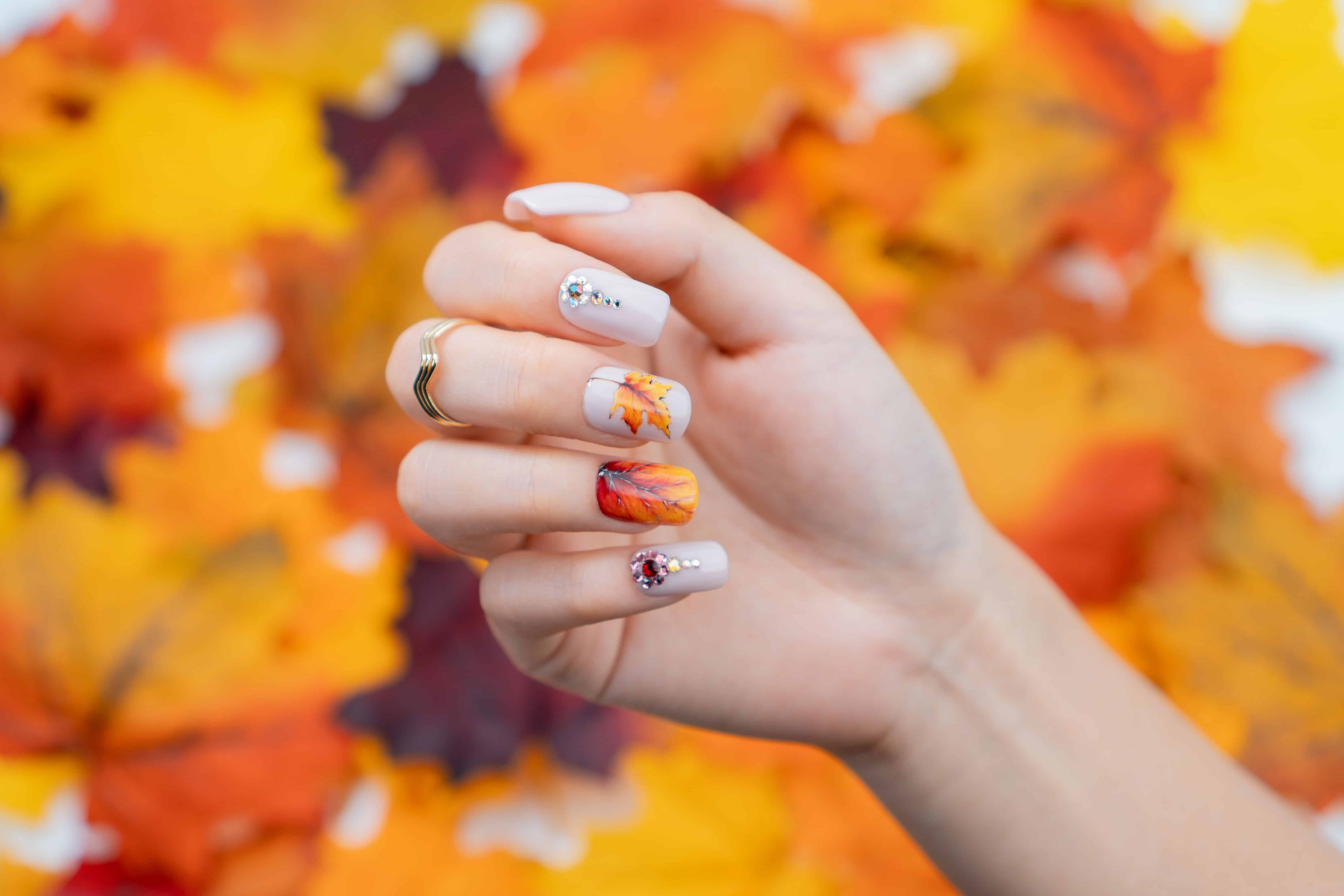 fallen leaves nail art