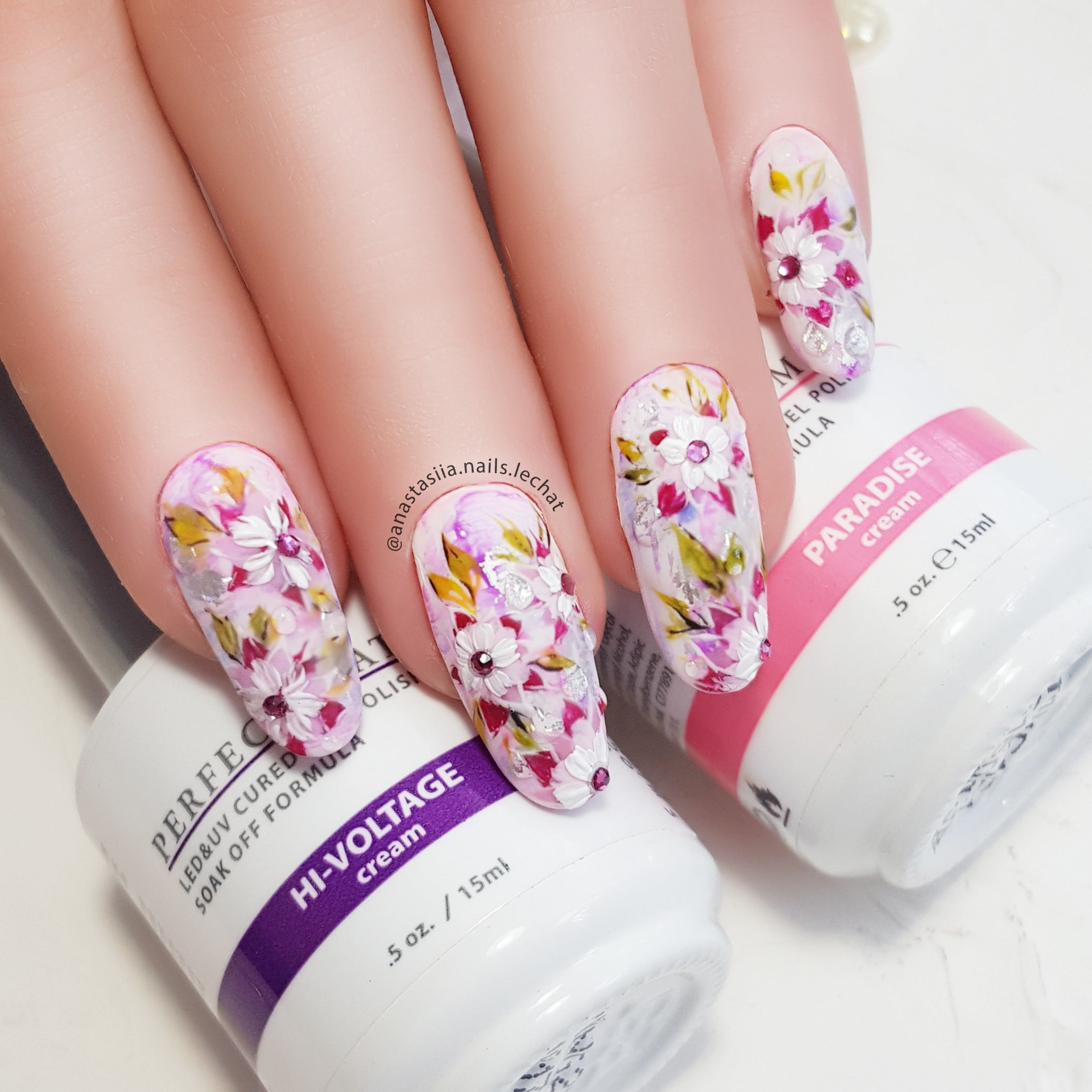 nail art with pink and white flowers
