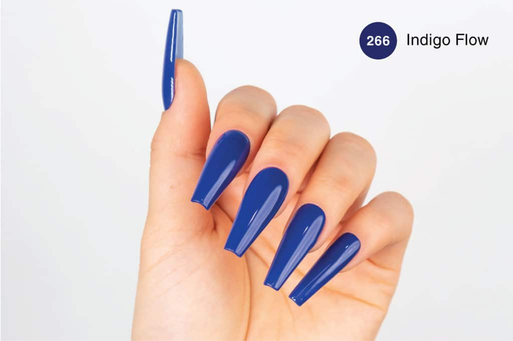Hand with long blue nails using Indigo Flow PM266