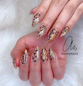 winter nail trends - glittery leopard print